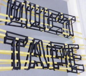 Tape- Impactant- typographie